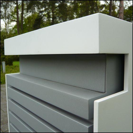 Design brievenbus in Bauhaus stijl; Gelakte aluminium