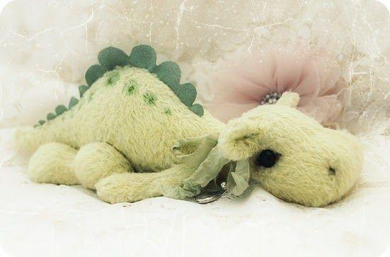 ... ein kleines Saurierbaby der Gattung Tyannosaurus Re(la)x Herbivora  B r o o o c c o l l i e Don't be shy, I won't bite!   Ich glaube, h...