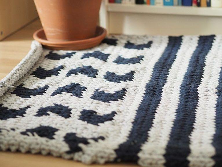 Diy Anleitung Gemusterten Teppich Aus Textilgarn Stricken Via