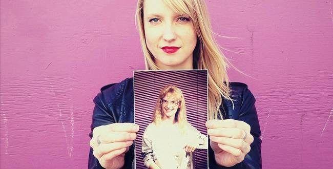 Quando vemos nossas fotos de alguns anos atrás, é inevitável achar graça e vergonha ao mesmo...