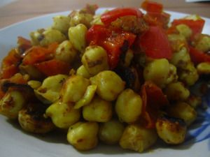 spicy, delicious, and vegan chickpea dish <3 one of my all time favorite recipes!