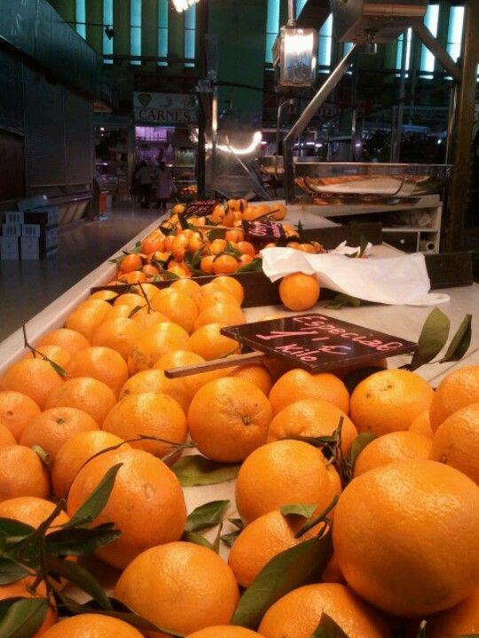 Naranjas en el mercado de Rusafa. Valencia