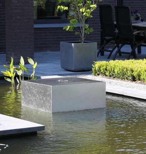 Water ornament in de vijver tuin idee n pinterest for Tuin en vijver