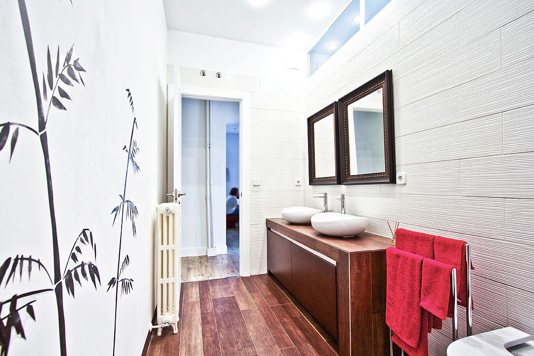 tragaluz en baños, ventanas interiores en baños pequeños