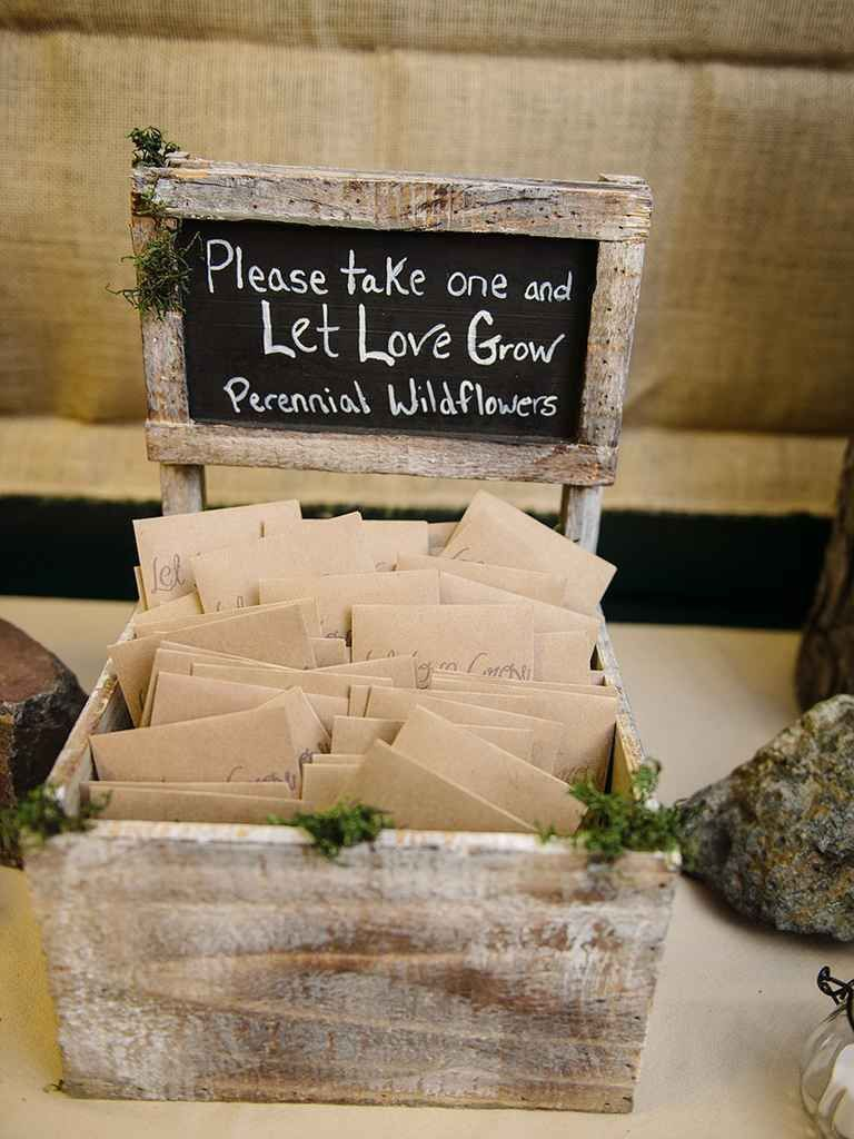 DIY Wedding Favors for Any Budget  TheKnotcom  Wedding Notes