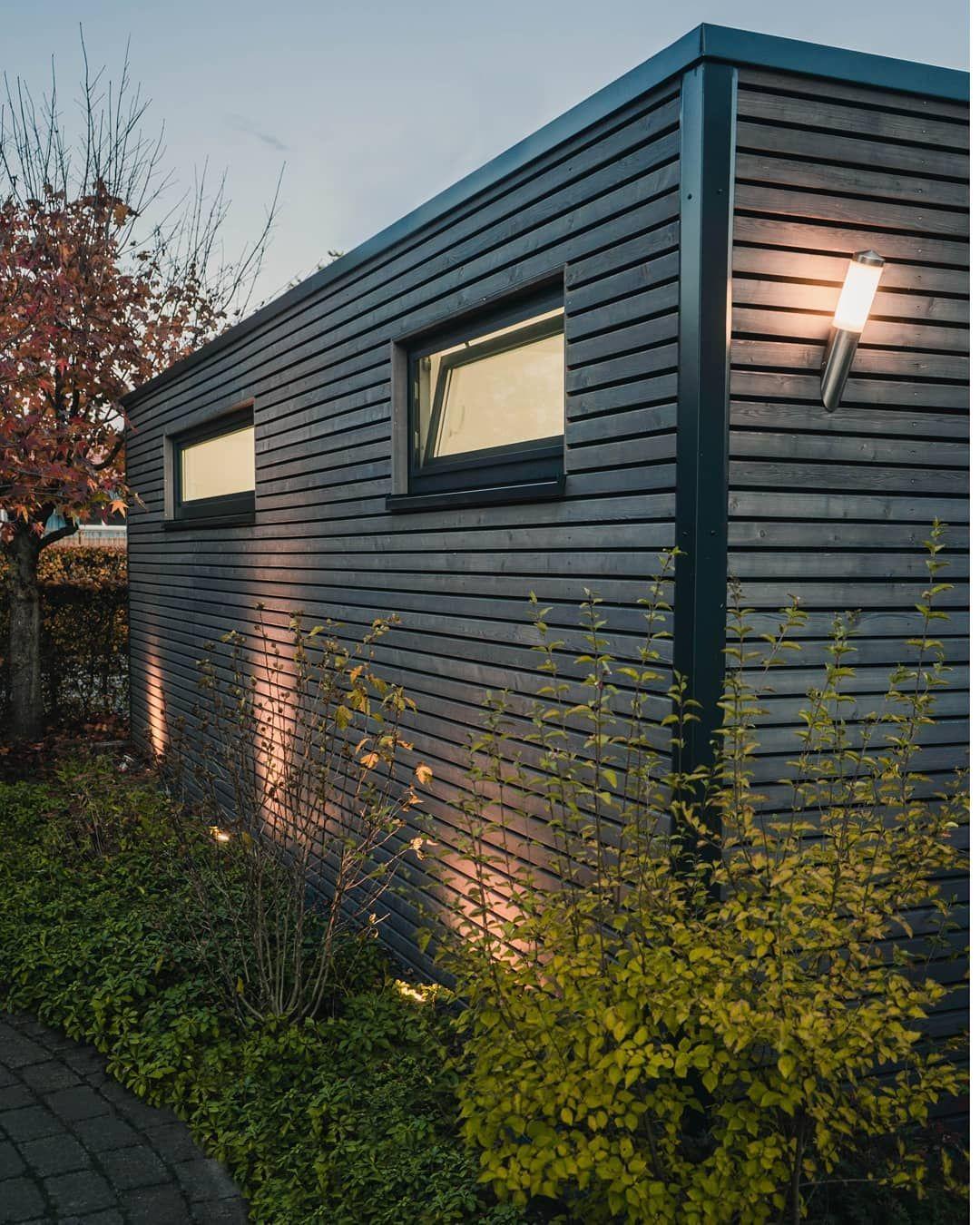 Zu Dunklen Jahreszeiten Auch Mit Stilvoller Beleuchtung Steda Gartenhauser Steda Somussdas Glas Gartenges In 2020 Gartenhaus Gartengestaltung Holzrahmenbau