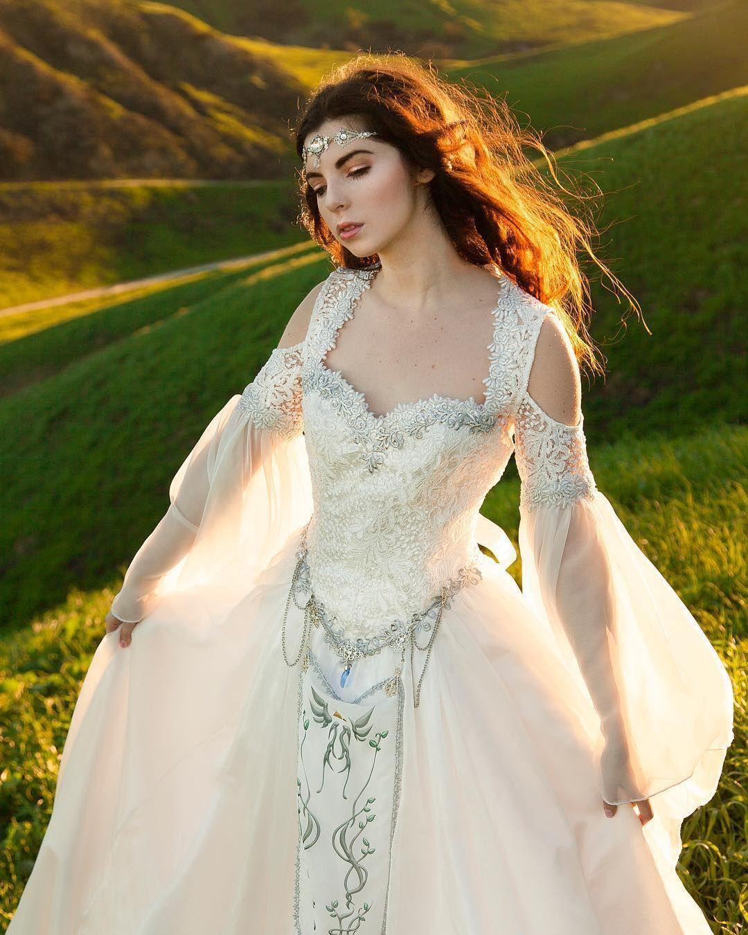 The LEGEND OF ZELDA Inspired Wedding Dress Is Beautiful