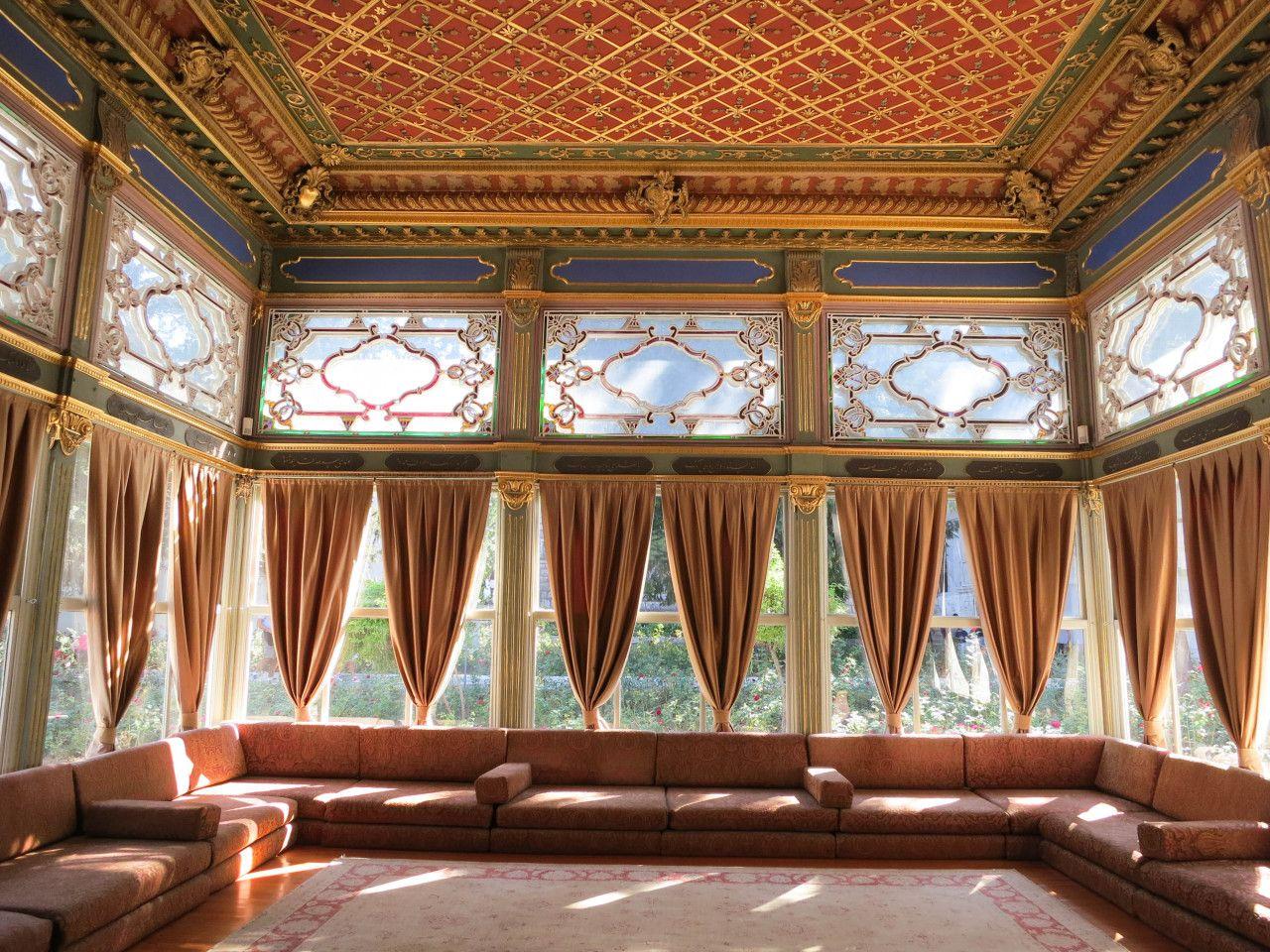 Inside Topkapı Palace, Istanbul, Turkey Download here