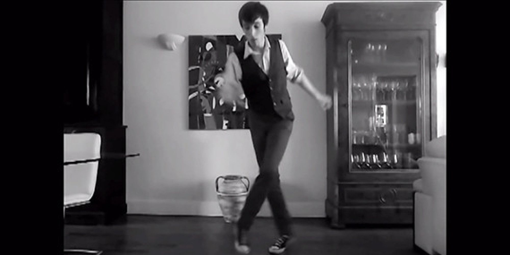 Get Down With Some Casual Electro-Swing Dancing Video -5165