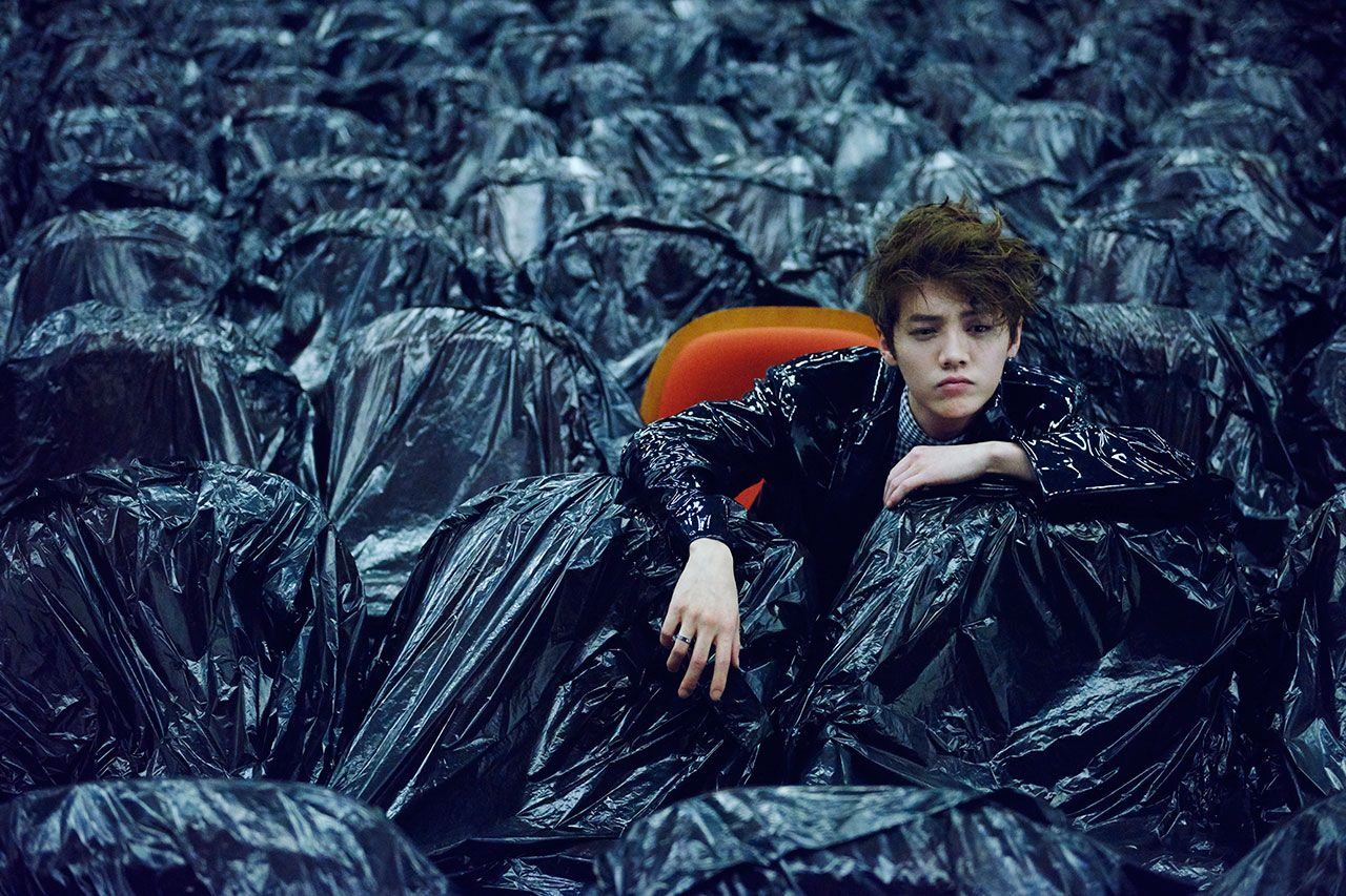 """Luhan (鹿晗/루한) Chosen as One of """"Five Faces of China"""" for Stunning Editorial """"In Search of Lost Time"""""""