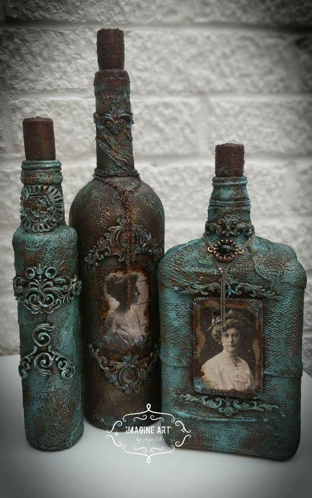 Botellas decoradas.