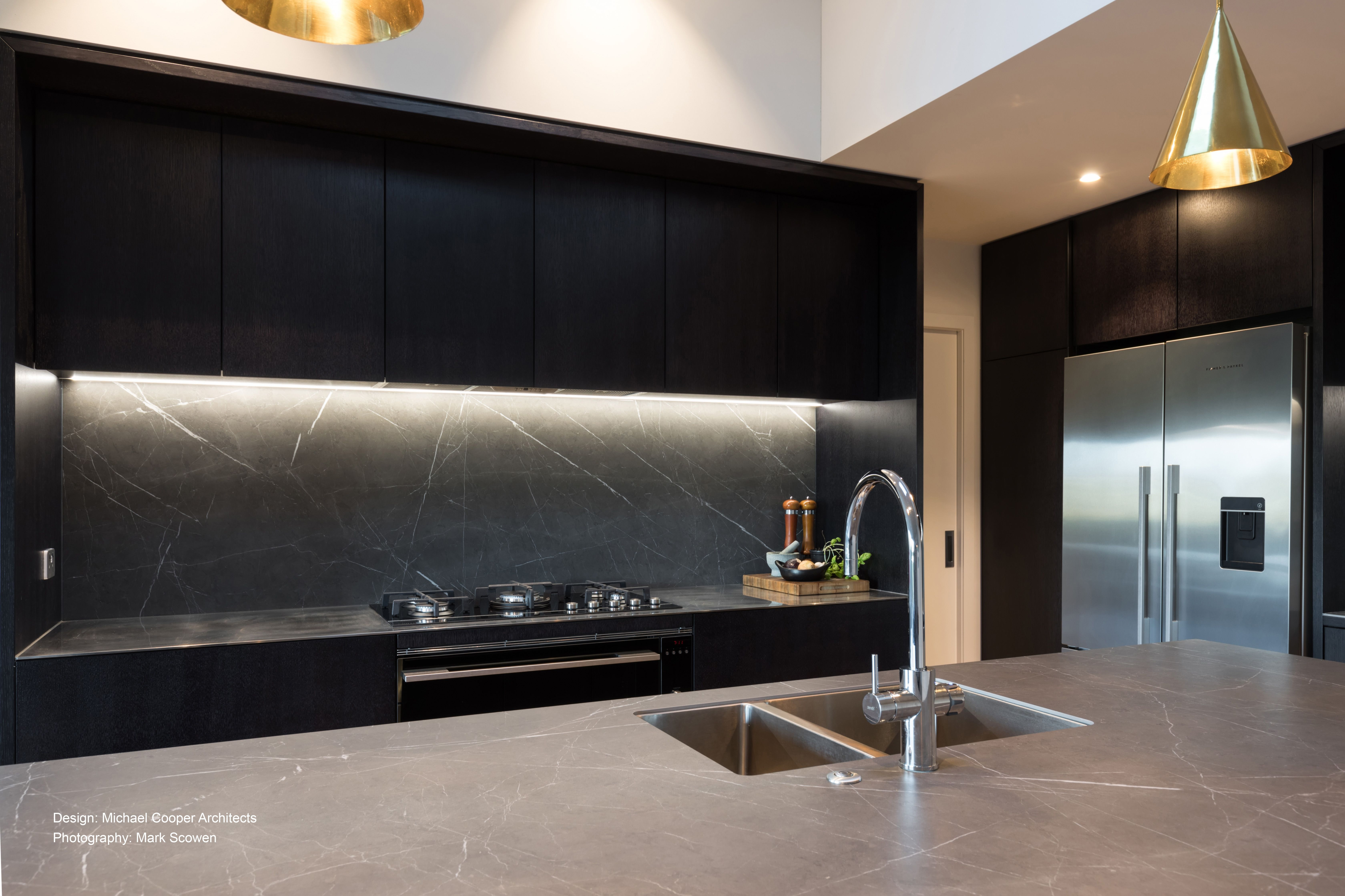 Dark Kitchen With Unique And Luxurious Details Dark Kitchen Kitchen Inspirations Handleless Kitchen