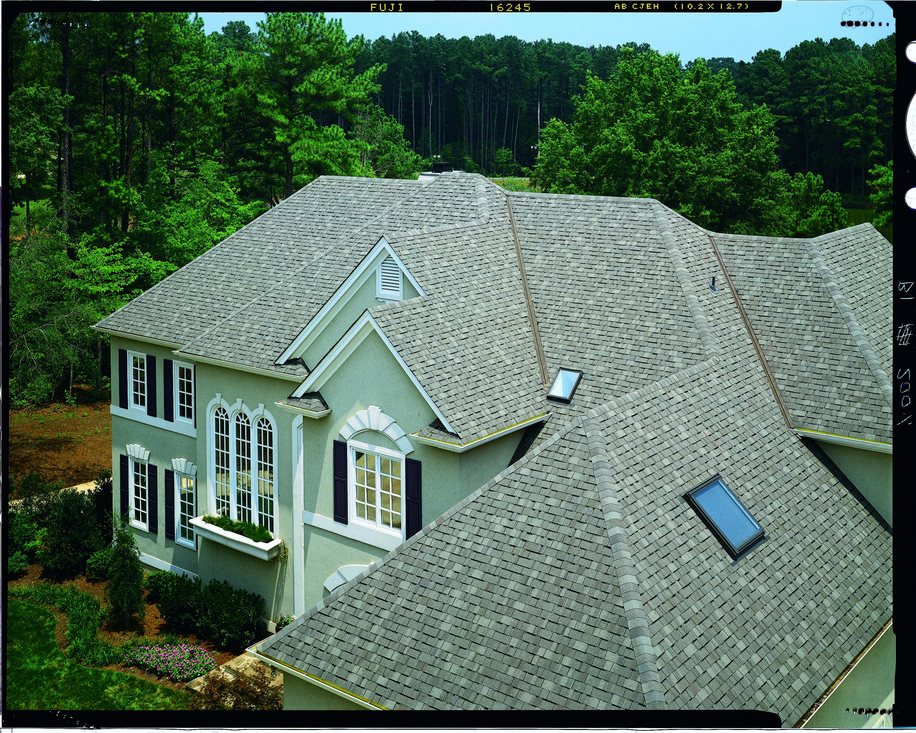 Best Certainteed Independence Shingle Shown In Weathered Wood 400 x 300