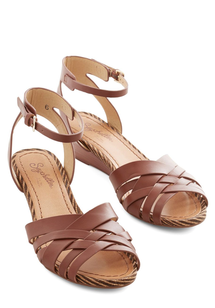 951323100b Little Closer Wedge in Whiskey. Need a nudge in the right style direction?  #brown #modcloth