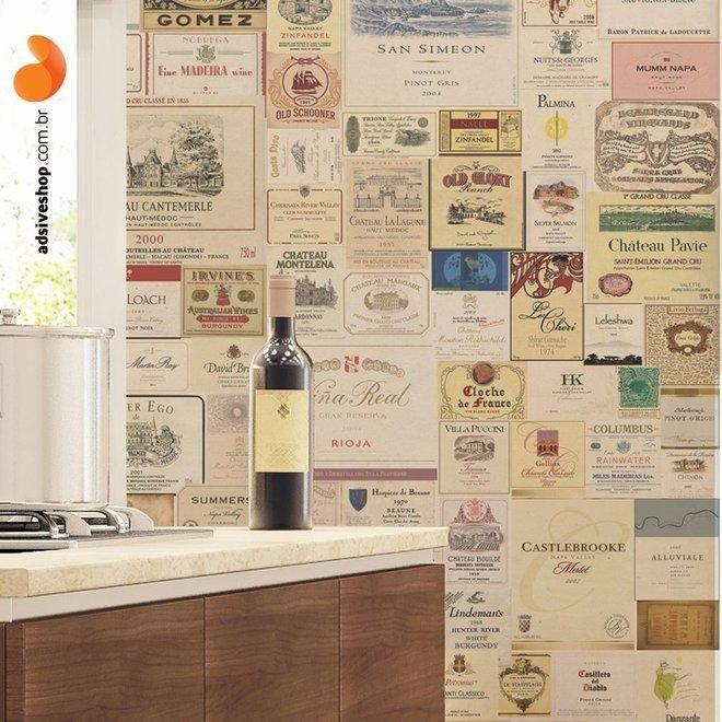 O Adesivo de Parede Wine Label foi criado através da composição de rótulos de bons vinhos. Este produto é ideal para decorar sua cozinha ou adega, deixando aquele cantinho especial de sua casa com um toque vintage.   #wine #vintage #decor #rotulos #casa #adega #vinho #decoracao