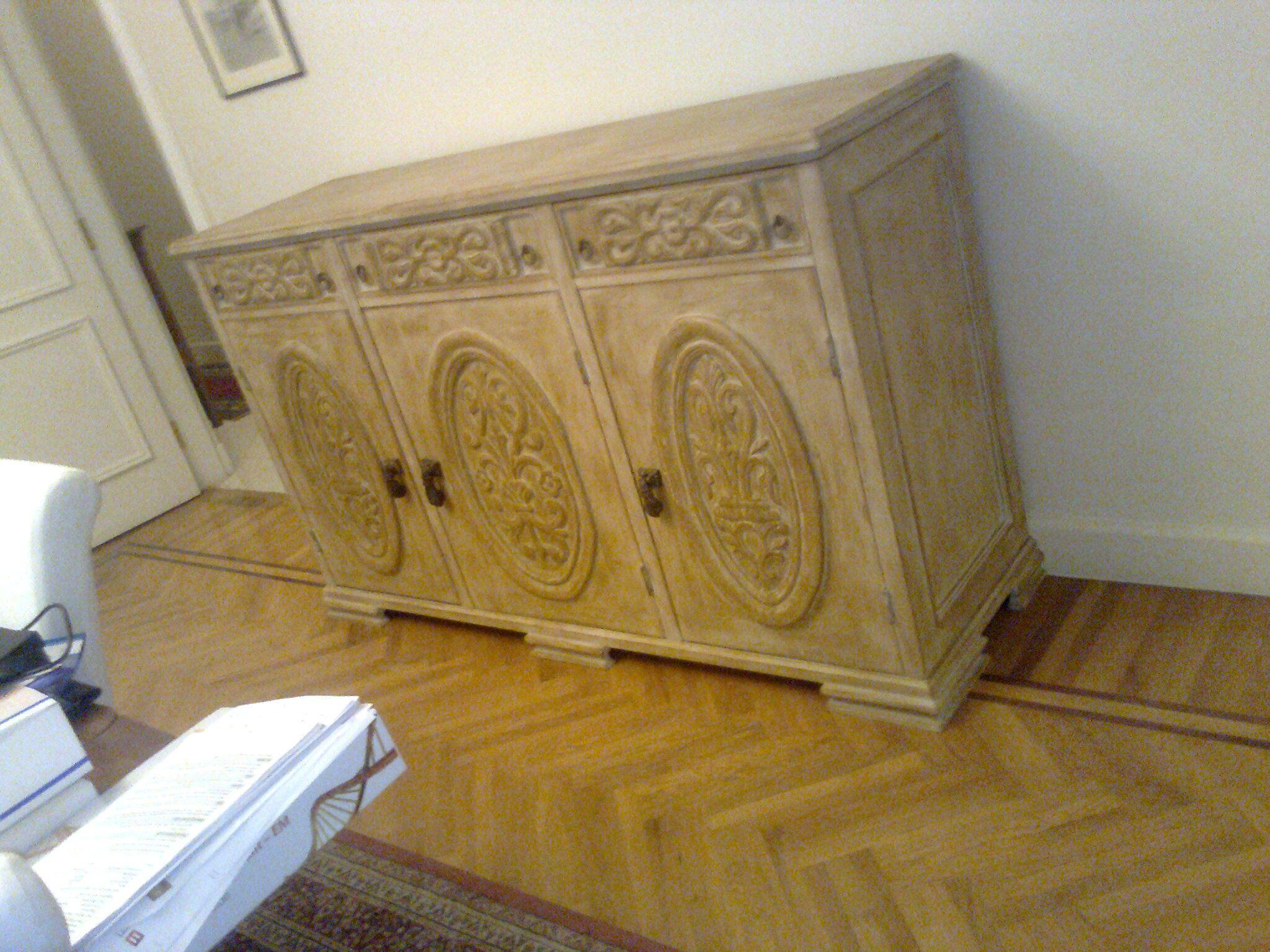 بوفيه باستخدام باب قديم Buffet Using An Old Door Entryway Tables Home Decor Decor