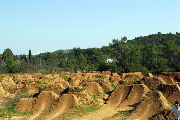 How To Make Dirt Jumps Google Search Bmx Dirt Downhill Mtb