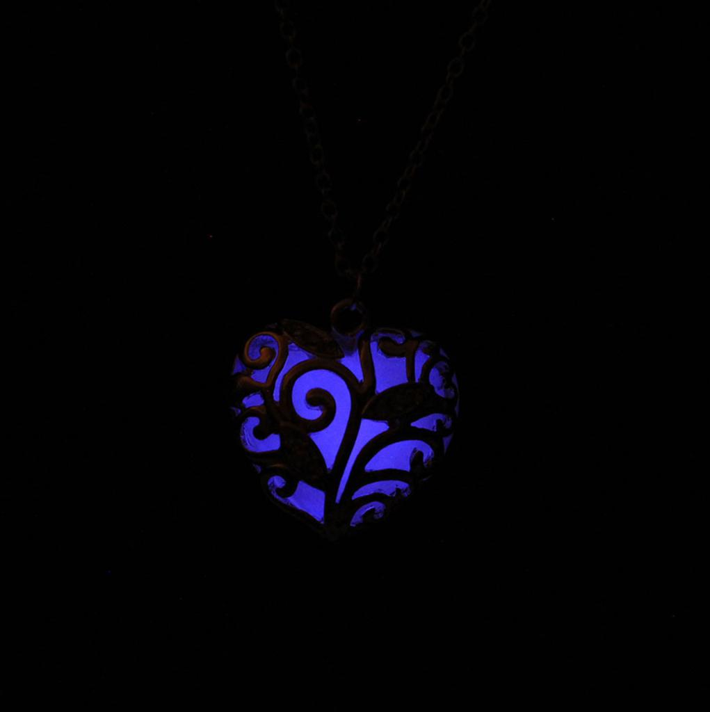 Glowing Heart Chakra Pendant Necklace