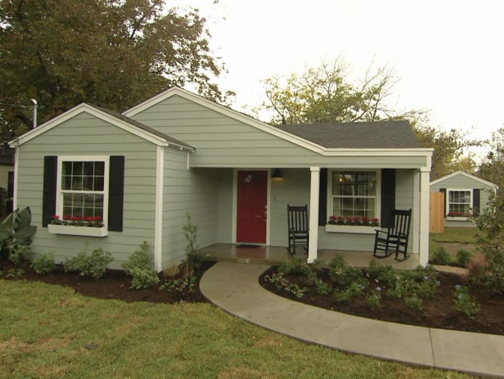 Exteriorfixer Upper Finds The Exterior Is Oyster Bay The Interior Is Sea Salt Both From