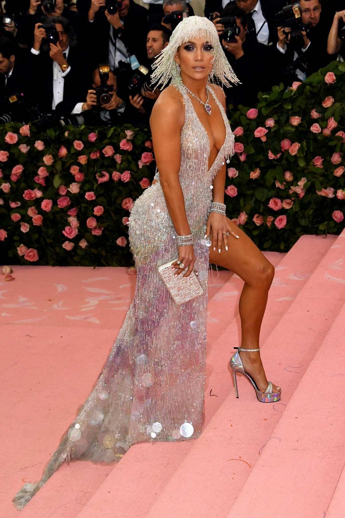 Jennifer Lopez in Versace at