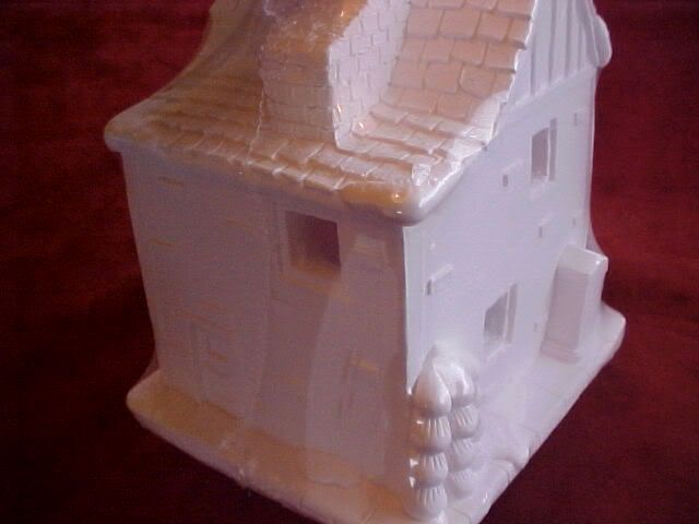 New creative crafts plaster toy shoppe christmas village for Plaster crafts to paint