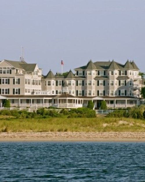 On Martha's Vineyard, The Harbor View Hotel Has 114