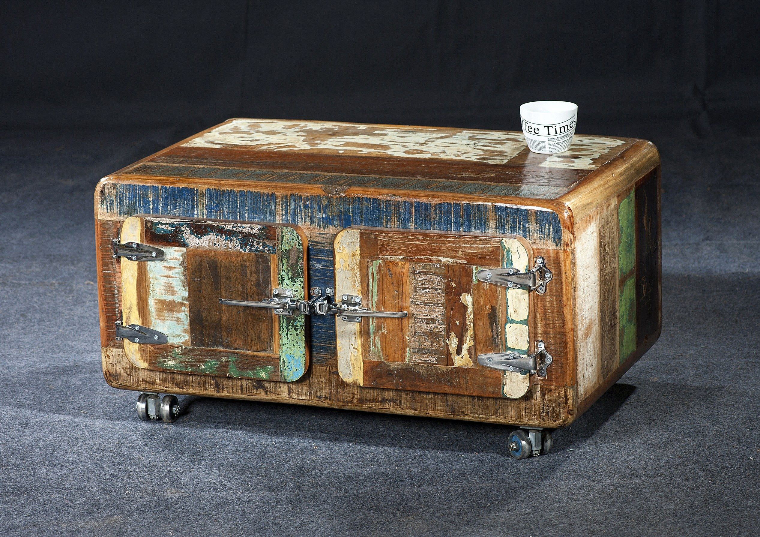 Riverboat Couchtisch Pin By Lauri Kay Burke On Decorative Boxes In 2019 Door Coffee