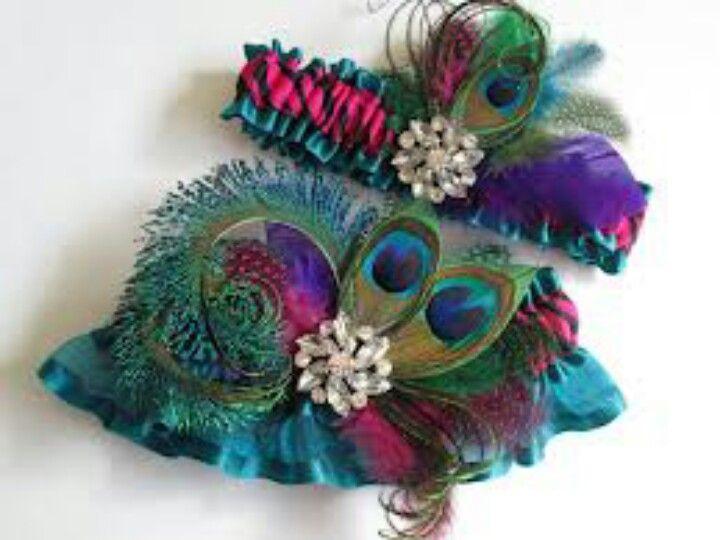 Peacock garter set
