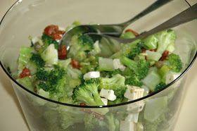 ganske enkelt: Salat med brokkoli og fetaost