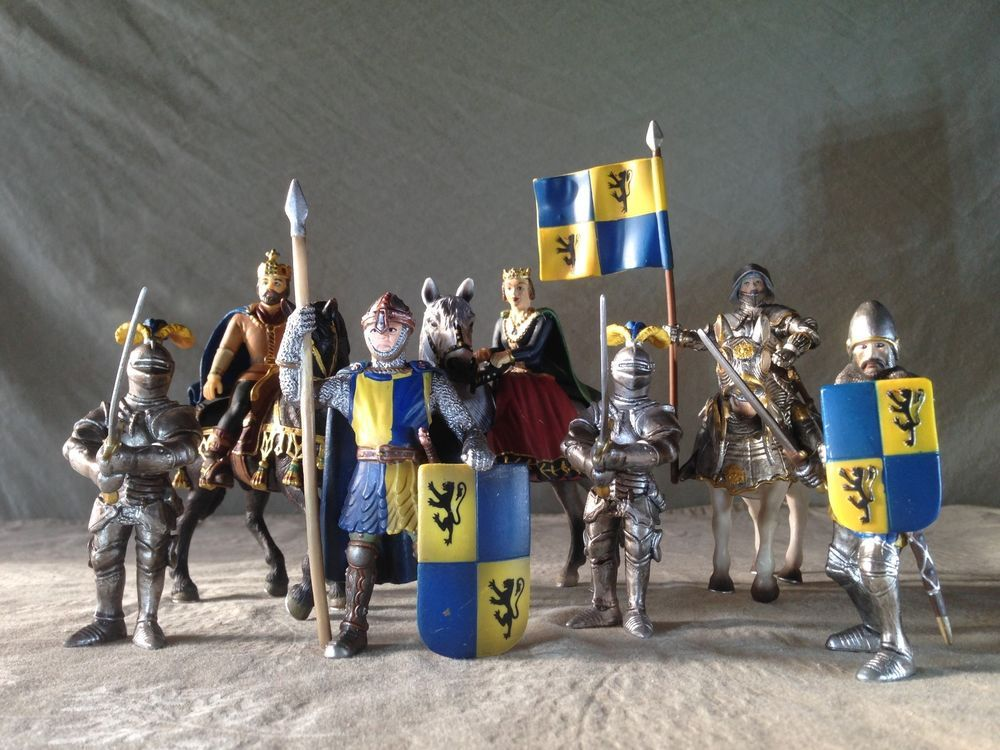 RETIRED Schleich COLLECTION! Lion Coat Arms COURTIERS KNIGHTS ...