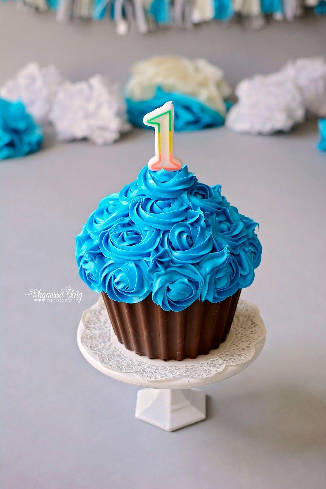 Giant Cupcake Smash Cake Boy