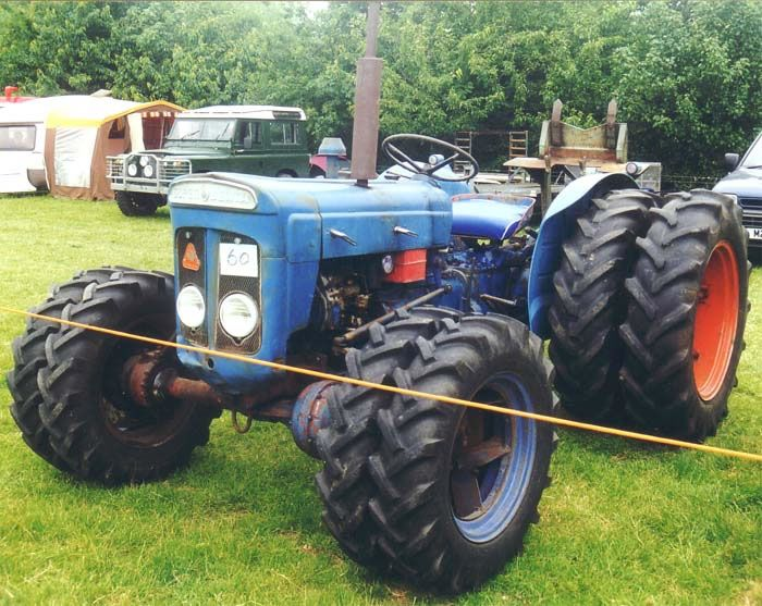 Ford Super Dexta Tractor Values : Fordson super dexta roadless four wheel drive tractor