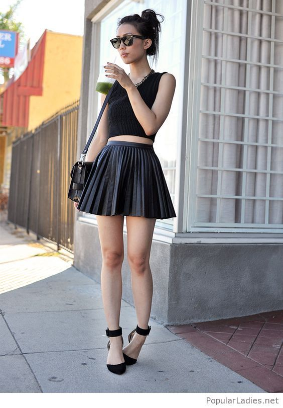 b19fd370b83d ... Fashion Trends for Womens - Outfits. all-black-short-skirt-crop-top-and- high-heels