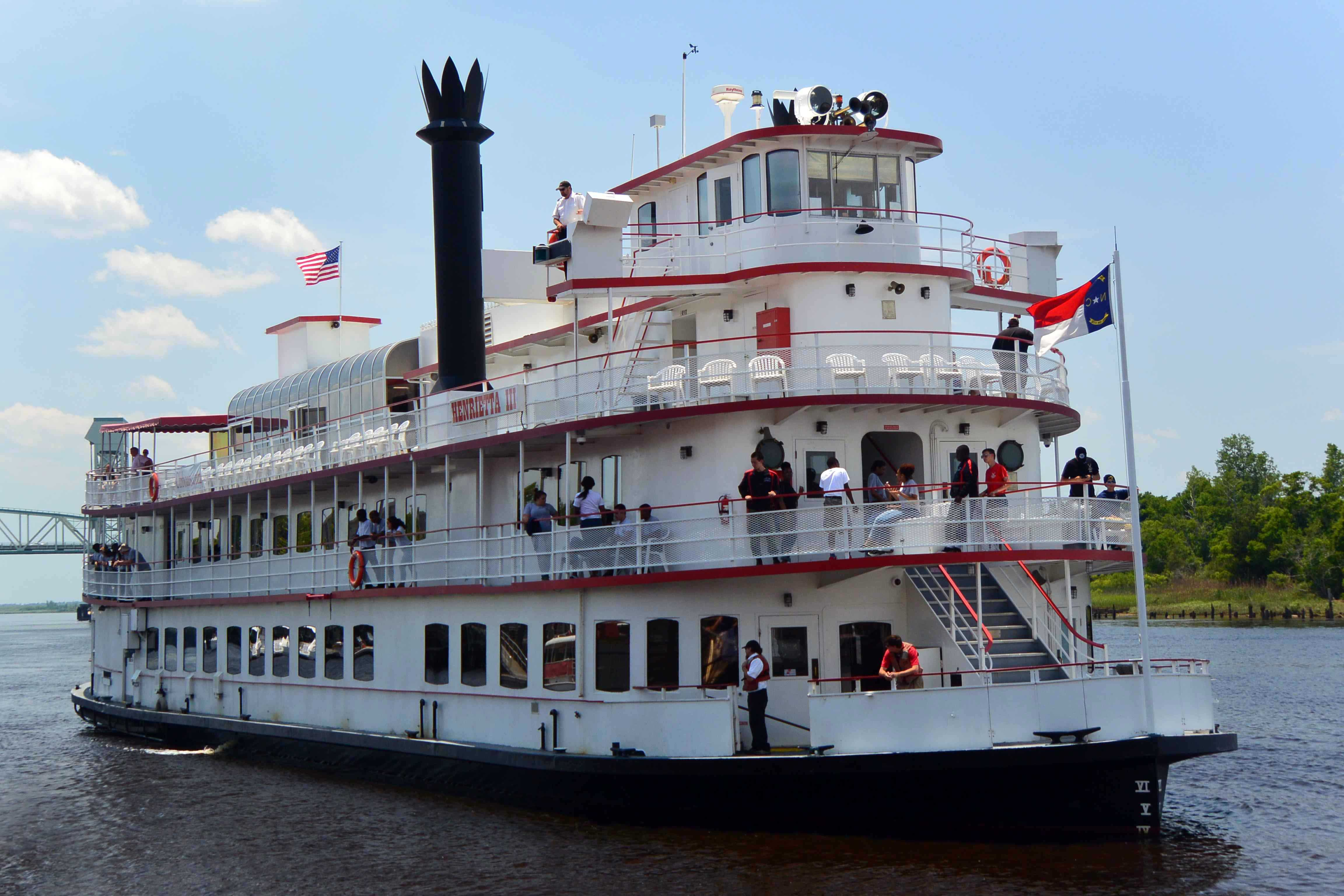 Riverboat In Wilmington By Sara Kendall Jpg 4608 3072 Hudson River Cruises River Cruises Cruise