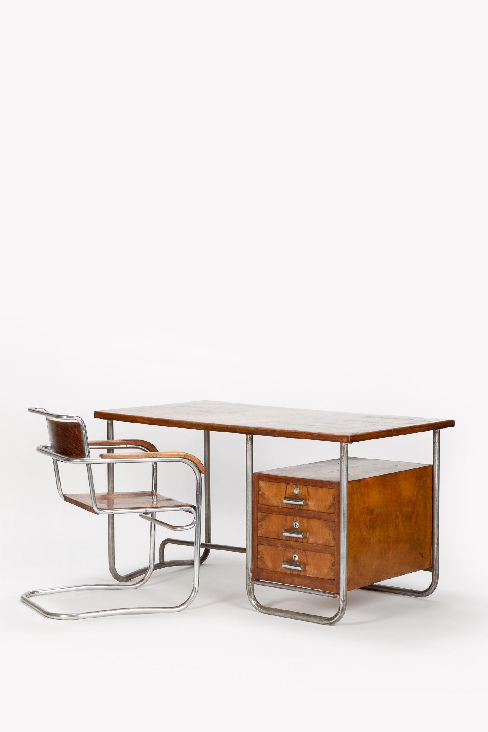Italian bauhaus desk marcel breuer 30 s tables for Bauhaus italia