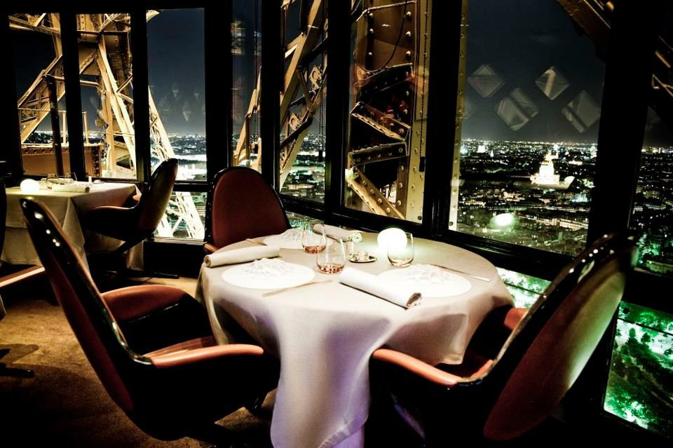 Alguna Otra Manera Chic De Comer En Paris Paris City Guide Eiffel Tower Restaurant Paris City