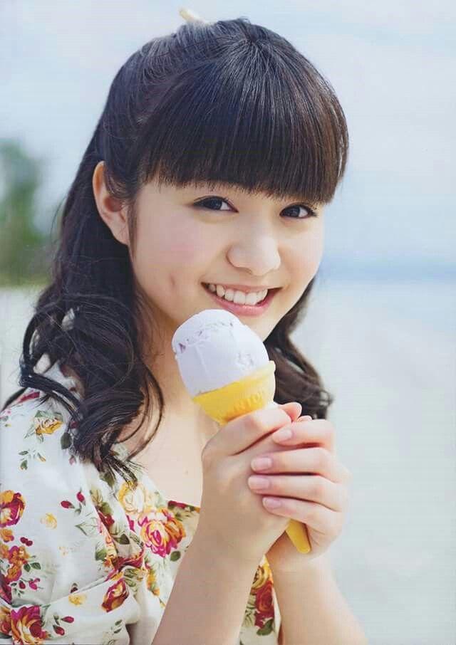 Ice cream, dimples, cute girl = total kawaiiness √