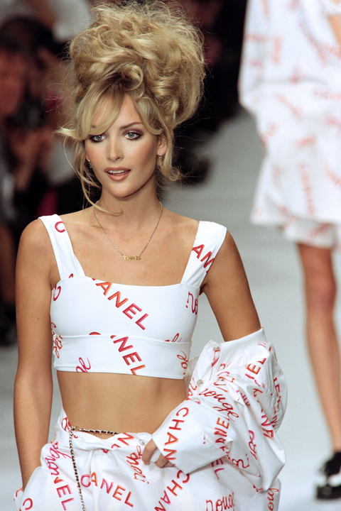 Photo of 10 Main Chanel Runway Moments from the 90s