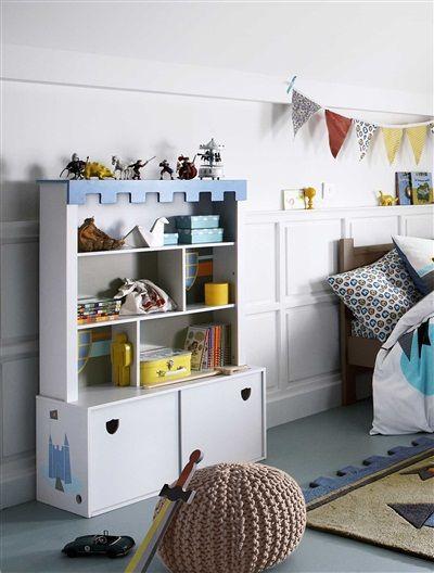 f r kleine ritterzimmer praktisches b cherregal mit unterschrank von vertbaudet fr hjahr. Black Bedroom Furniture Sets. Home Design Ideas
