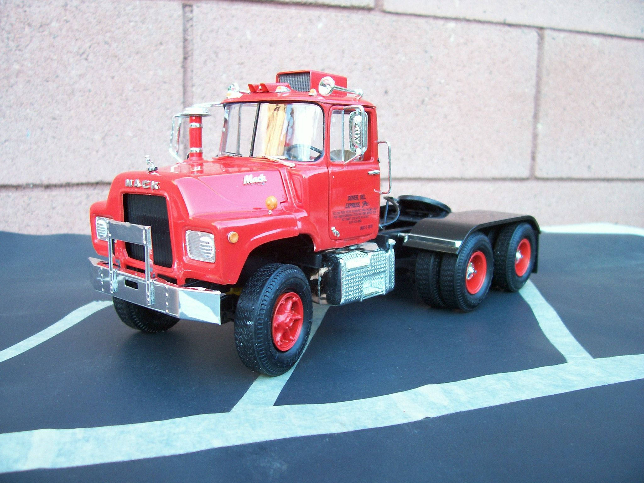 Mack truck 1 25 scale built from amt kit