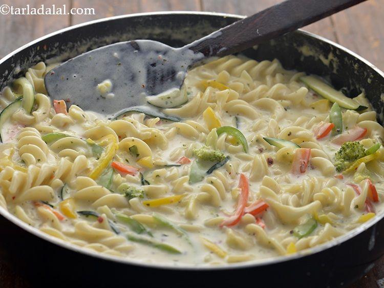 White Sauce Pasta Recipe Indian Style White Sauce Pasta Pasta In White Sauce Recipe In 2020 Pasta Recipes Indian Pasta Recipes Vegetarian Pasta Recipes