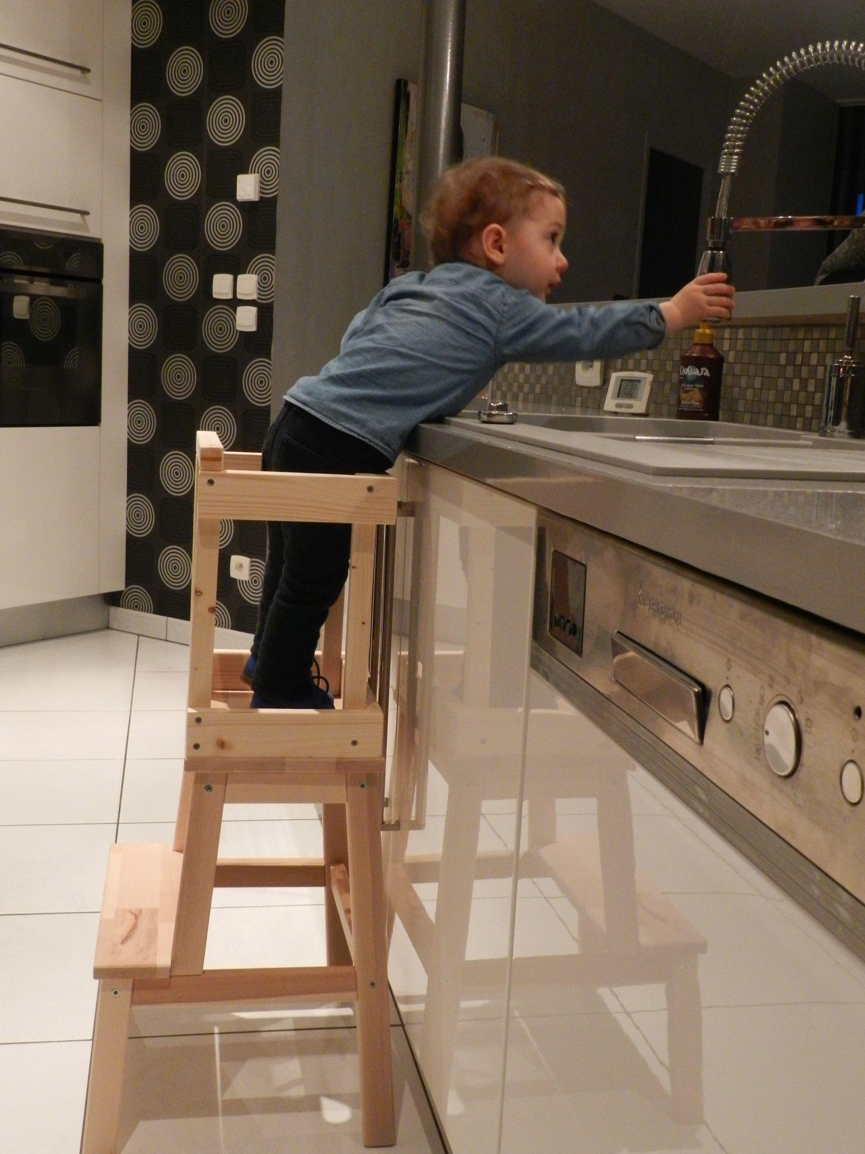 tour d 39 observation montessori fabrication tape par tape montessori pinterest tabouret. Black Bedroom Furniture Sets. Home Design Ideas