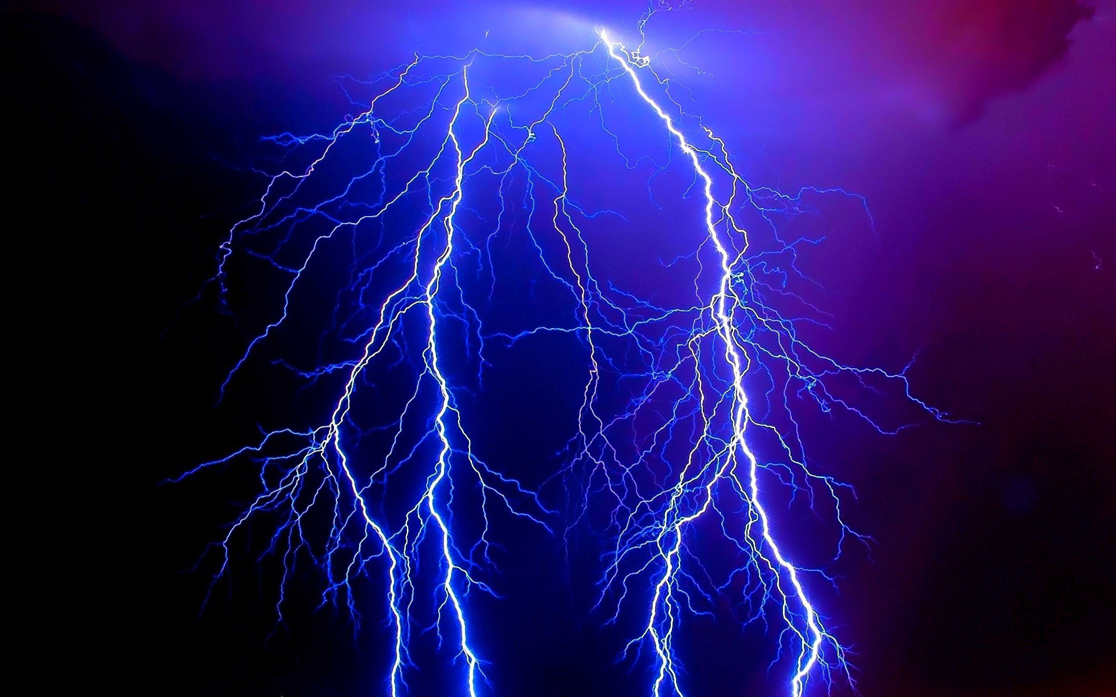 3840x2400 Wallpaper Lightning Electricity Category Elements Danger Night Lines Patterns Blue Lightning Beautiful Nature Lightning Strikes