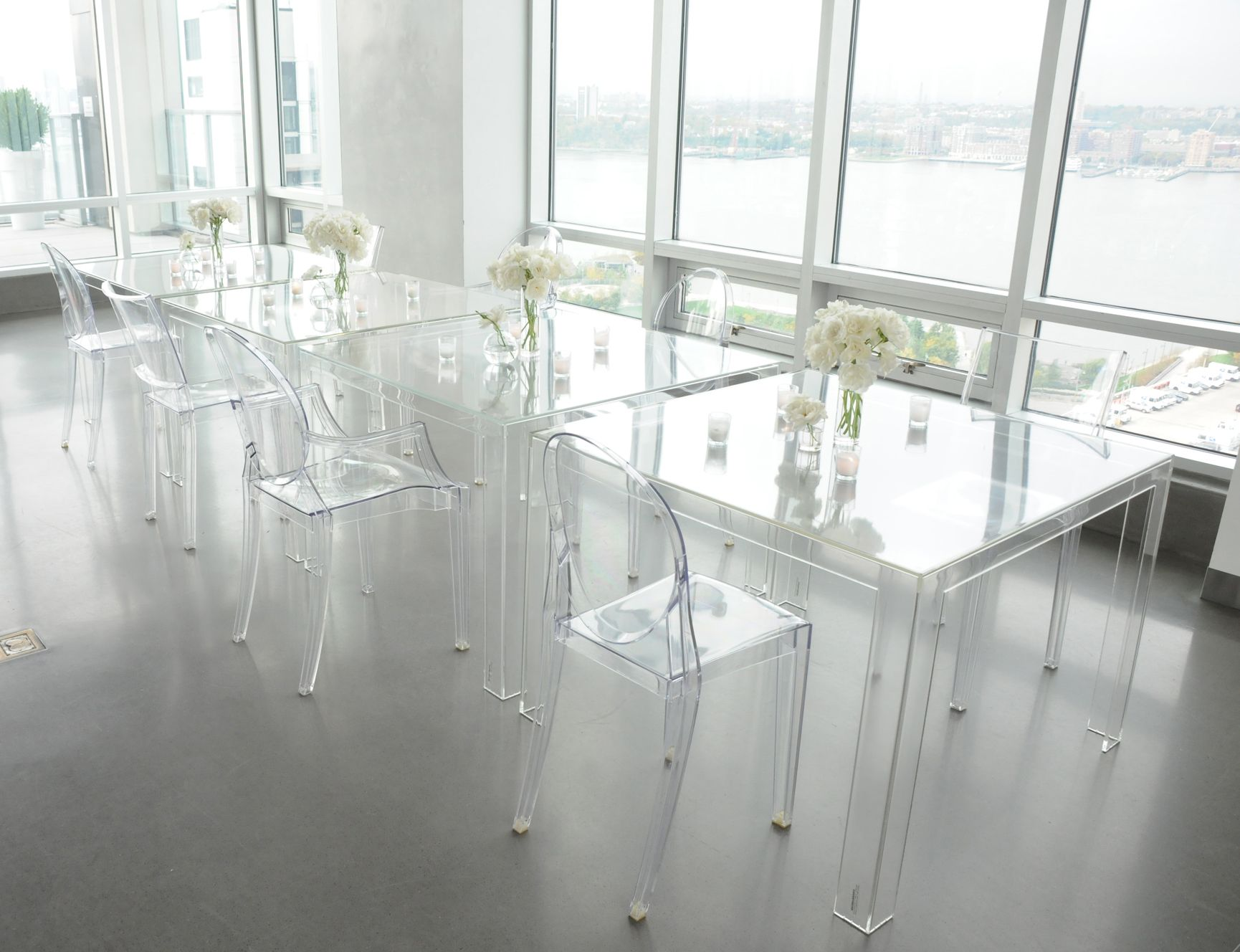 Table Transparente Plexiglass The New Invisible Dining Table From Kartell Clear Choice In