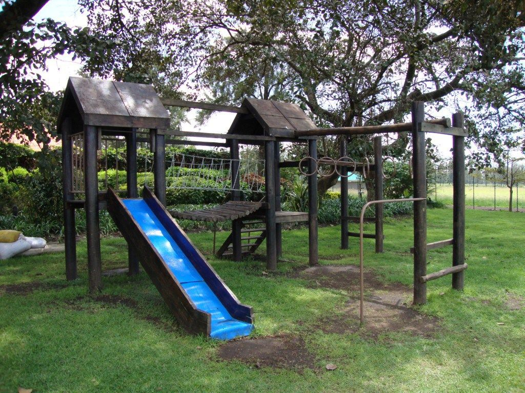 Attrayant Plans For Wooden Jungle Gym. Needs A Little Enclosed Space Too For Either A  Dog