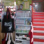 #Bologna #libreria Ambasciatori: è di nuovo #boom in libreria per le #magliette letterarie. #Pickabook #ebook. Leggo e indosso
