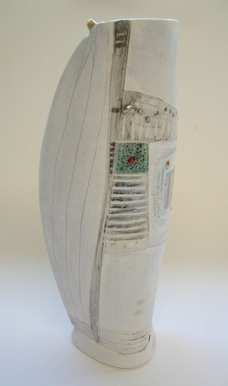 Tall vessel 2004 © Linda Styles Ceramics