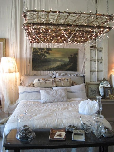 Old Mattress Springs As Base For Hanging Lights Hmmm Pretty Cool