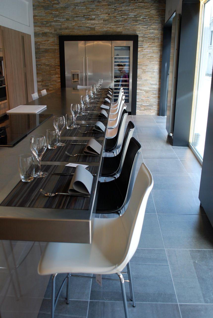 chaise haute zebra pop. Black Bedroom Furniture Sets. Home Design Ideas
