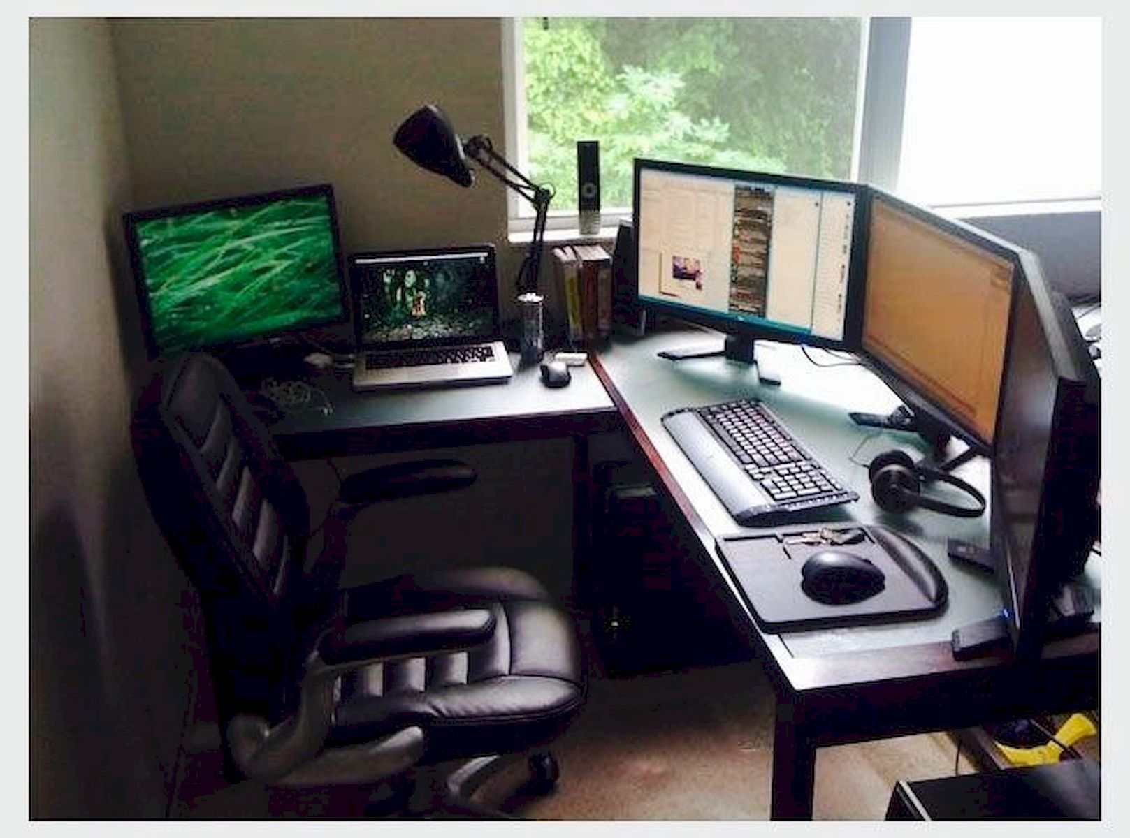 Leading 30 Stunning Home Office Design Homeoffice Homeofficechairs Homeofficedecor Homeofficefurniturenearme Video Game Rooms Home Office Setup Office Setup